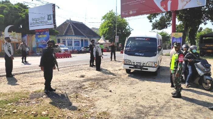 Larangan Mudik Berakhir, Polres Tuban Berlakukan Pengetatan Kendaraan Keluar Jatim hingga 24 Mei