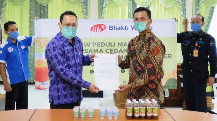Cegah Covid-19, IIK Bhakti Wiyata Kediri Bagikan 2000 Hand Sanitizer & Jamu Penambah Imunitas Tubuh