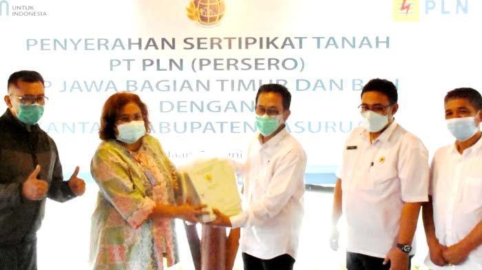 Sinergi Akhir Semester, BPN Serahkan 105 Sertifikat Aset PLN di Kab Pasuruan