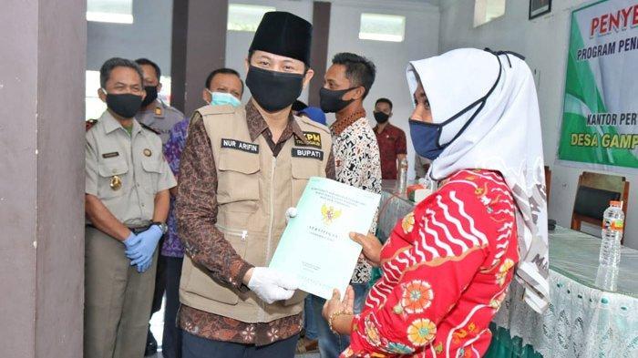 Sertifikat Tanah Program PTSL untuk 2020 Mulai Didistribusikan ke Warga di Trenggalek