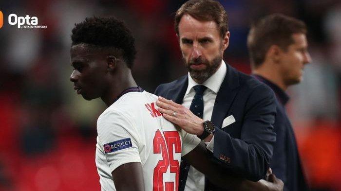Penyerang Inggris, Bukayo Saka kondisinya makin fit jelang semifinal EURO 2020. Jelang Inggris vs Denmark di Semifinal EURO 2020, Kekuatan The Thriee Lions Kian Lengkap