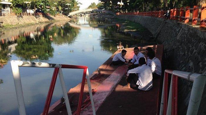 Perahu Wisata Air Kalimas tak Beroperasi Karena Sungai Dangkal