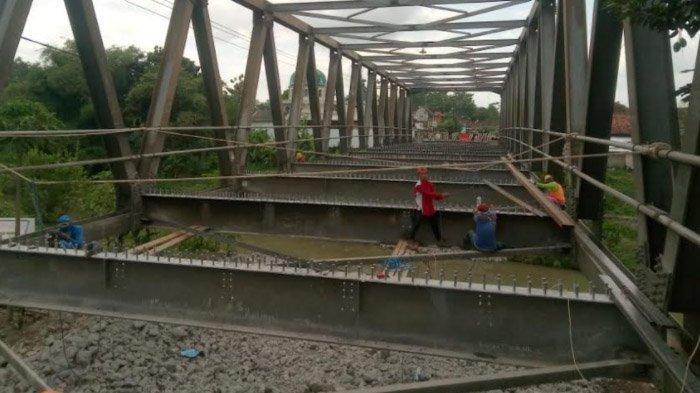 Ditarget Selesai Awal Desember, Pengerjaan Fisik Jembatan Karangrejo Tulungagung Baru 15 Persen