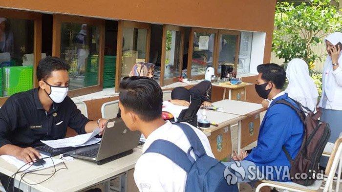 Banyuwangi Jemput Bola Perekaman Data e-KTP untuk Pelajar Usia 17 Tahun