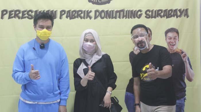 Baim Wong Ekspansi Bisnis Donuthing, Resmikan Pabrik Baru di Surabaya