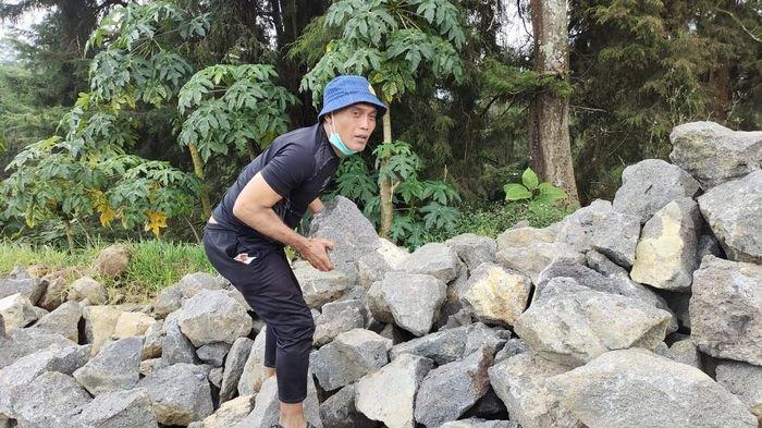 Kisah Piliu Peri Sandria, Eks Striker Timnas Indonesia Jadi Kuli Bangunan Tak Dibayar di Masa Tuanya