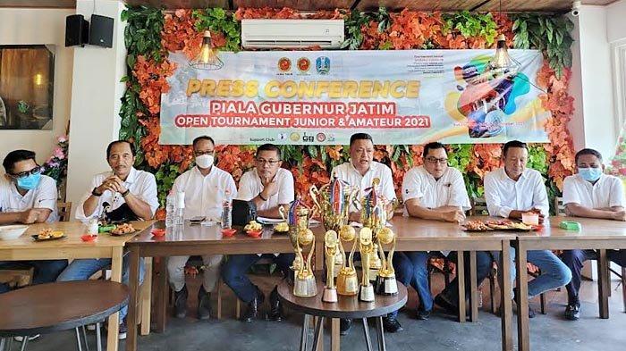 Ratusan Pegolf Ramaikan Turnamen Golf Piala Gubernur Jatim 2021 di Surabaya