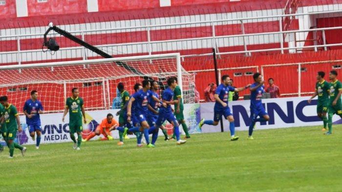 Alasan Pelatih Persebaya Surabaya Mengaku sempat Memarahi Para Pemain saat Unggul 4-1 atas Arema FC