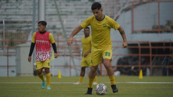 Aji Santoso Bicara Produktivitas Gol Persebaya Surabaya di BRI Liga 1 2021