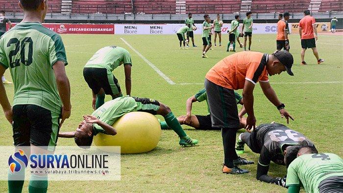 Persebaya kembali Berlatih setelah Empat Hari Libur, Coach Aji Santoso Jamin Fisik Pemain Terkendali