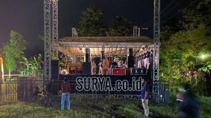 Kerumunan saat Pagelaran Orkes Dangdut di Kabupaten Bangkalan, Petugas Gabungan Membubarkannya