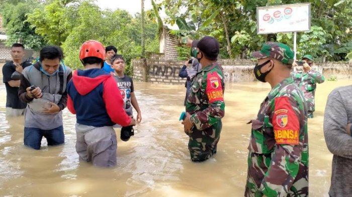 Bermain Air Luapan Sungai Bareng Teman-Temannya, Bocah Pamekasan Tersetrum Listrik