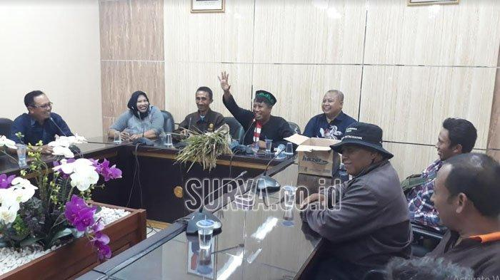Usai Demonstrasi, Petani 'Kuasai' Ruangan Komisi B DPRD Jember