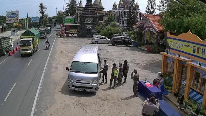 Travel Gelap Tujuan Malang Terjaring Penyekatan di Perbatasan Jatim - Jateng, Begini Nasib Penumpang