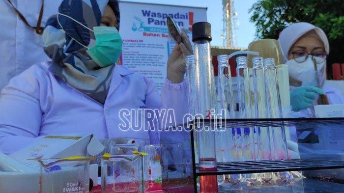 Sampel Makanan di Pasar Takjil Kota Blitar Diperiksa, Ada Kerupuk yang Mengandung Boraks