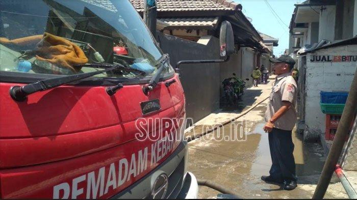 Api Berkobar Besar Melahap Tempat Pengasapan Ikan di Tuban, Bikin Warga Panik