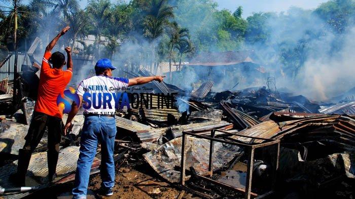 Kompor Dibiarkan Menyala dan Ditinggal Jualan, Tiga Toko di Pamekasan Terbakar