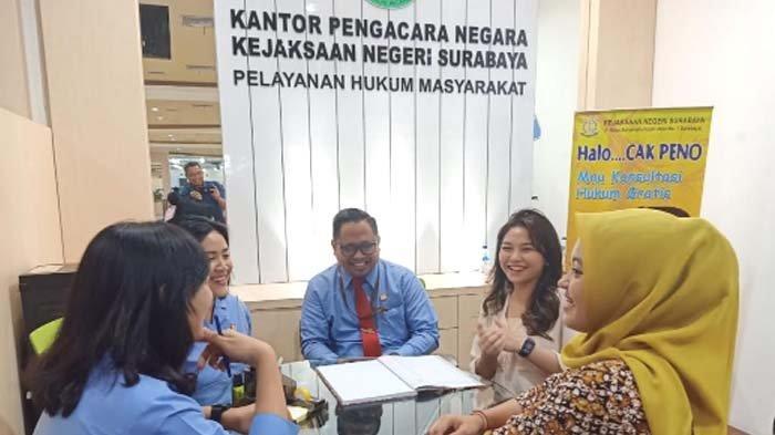 Ada Cak Peno di Gedung Siola Surabaya, Warga Gratis Konsultasi Hukum