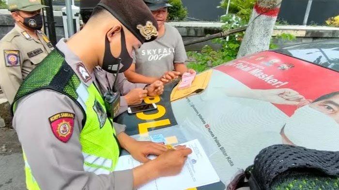 Patroli Penertiban Premanisme di Kota Blitar, Petugas Gabungan Tindak 4 Juru Parkir Liar