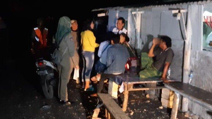TIga Pemandu Lagu Ketangkap Petugas saat Razia Karaoke Ilegal di Tuban, Mereka Berasal dari Sini