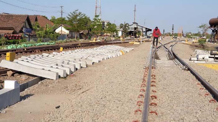 Double Trek Mojokerto - Jombang segera Dioperasikan, Waspadai Crossing 2 Jalur Kereta Api
