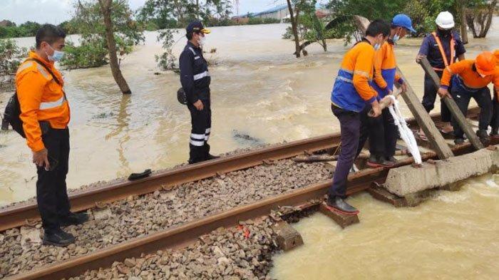 Imbas Banjir Jakarta, Sejumlah Perjalanan KA Dibatalkan, Ini Syarat untuk Refund Tiket Utuh