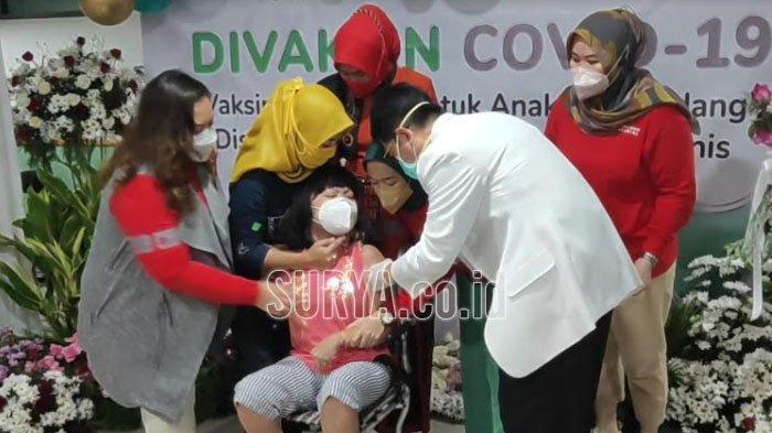 Vaksin Covid-19 Perdana untuk Anak-anak Penderita Penyakit Kronis dan Disabilitas di Kota Malang