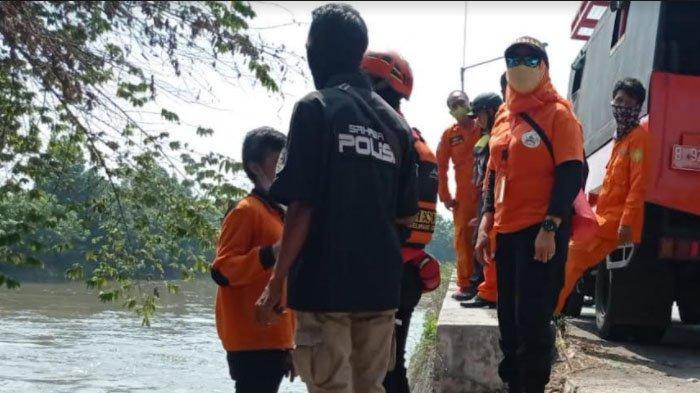 Pria Tenggelam di Sungai Prambon Kabupaten Sidoarjo, Tim SAR Masih Lakukan Pencarian