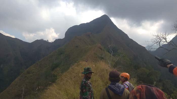Petugas Satpol PP Tak Menyangka Bahwa Pelajar Jatuh yang Dicari di Gunung Piramid Ternyata Sepupunya