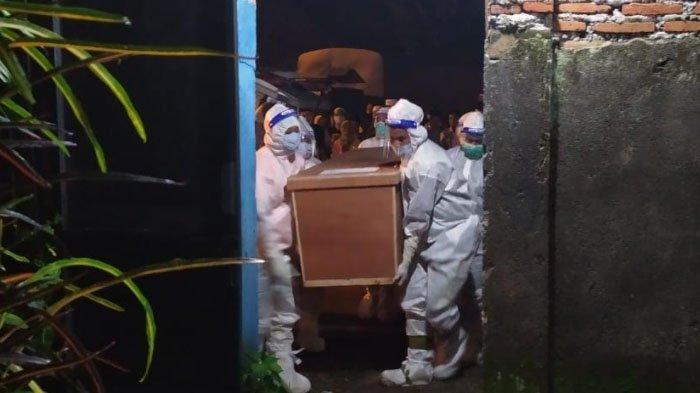 Cerita Tim Pemakaman Jenazah Pasien Covid-19 Kabupaten Bondowoso, Tetap Tegar saat Dicemooh