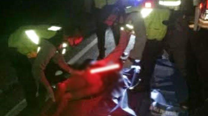 Pengendara Motor Tewas Dihantam Truk di Pantura Tuban, Identitas Korban Masih Belum Diketahui