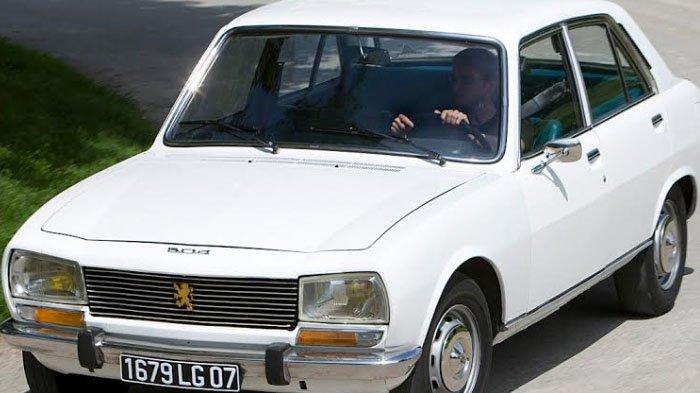 Loyalis dan Kolektor Mobil Peugeot Klasik Patut Bangga, Raih Car of The Year di Jenewa, Swiss