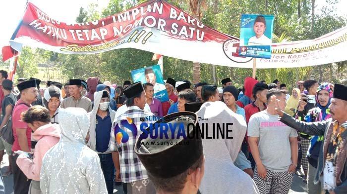Breaking News - Pilkades Serentak di Desa Pamaroh Pamekasan Ricuh, Pendukung Kepung Balai Desa
