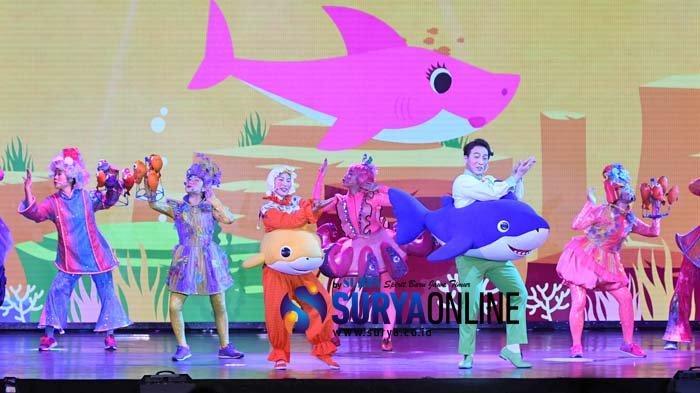 Drama Pinkfong Baby Shark Live Musical Pukau Penonton di Tunjungan Plaza Surabaya