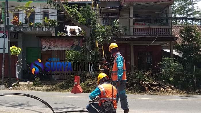 Perbaikan Belum Selesai, Aliran Listrik di Sebagian Rumah Warga Kota Blitar Masih Padam