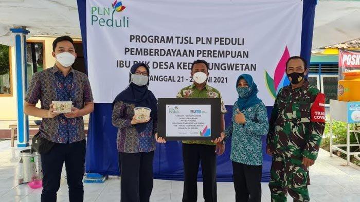 Kembangkan Potensi Masyarakat Sekitar Proyek, PLN UIP JBTB Salurkan Bantuan untuk Pemberdayaan SDM