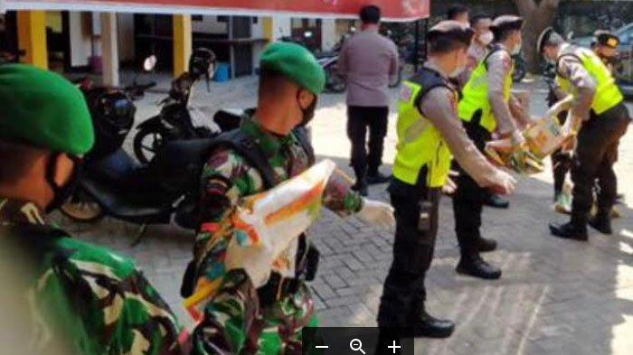 Polda Jatim mengerahkan seluruh satker di Bangkalan untuk mencegah penyebaran covid-19