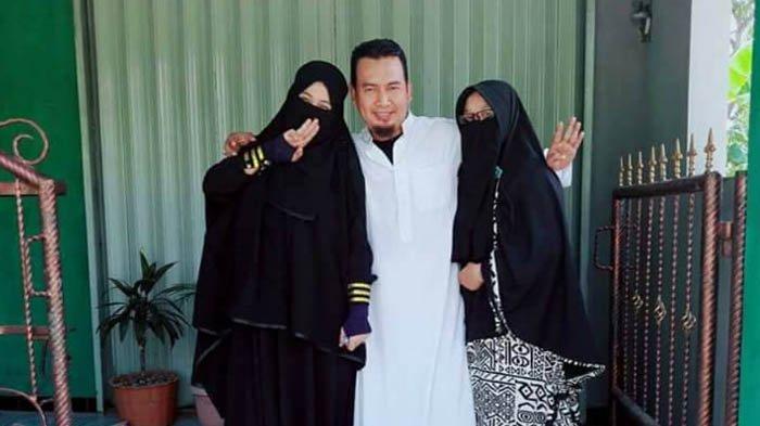 'Selamat, Engkau Telah Halal Menjadi Istri Suamiku,' Ucap Wanita ini usai Akad Nikah Suaminya