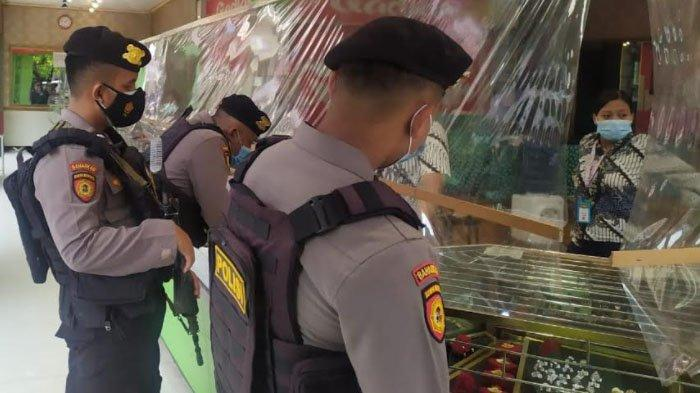 Patroli Polisi Bersenjata Antisipasi Gangguan Keamanan dan Kriminalitas di Kabupaten Gresik