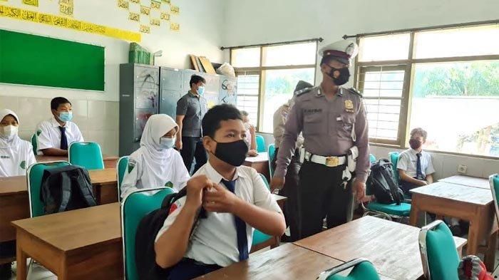 Antisipasi Klaster Pembelajaran Tatap Muka, Polisi Presisi di Kota Kediri Datangi Sekolah-sekolah