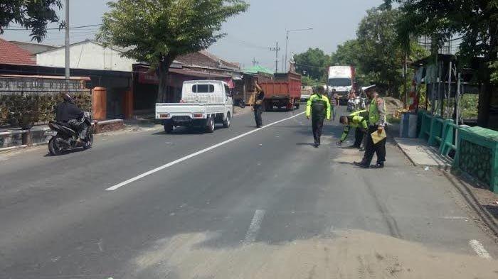 Rem Blong, Truk Tabrak Warga hingga Meninggal, Korban Sedang Galang Amal Jariyah Masjid di Porong
