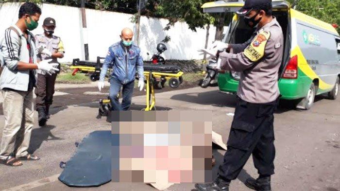 Terpeleset di Jalan Rusak, Pengendara motor Tewas Terlindas Truk di Gresik