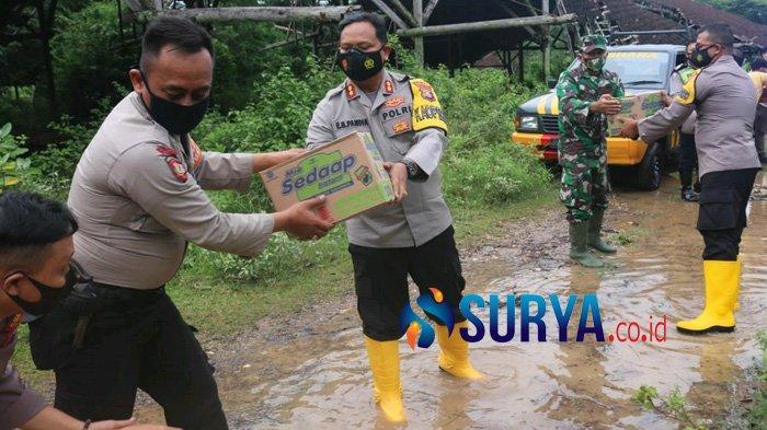 Kapolres Suarakan 'Astuti' di Bojonegoro, Wujudkan Bantuan untuk Korban Banjir