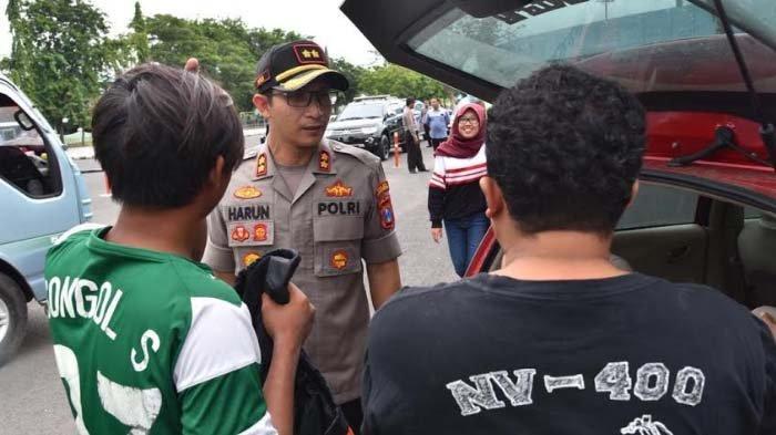 Polres Lamongan Cegah Suporter di Jalan Nasional yang Akan ke Sidoarjo