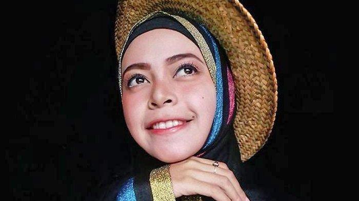 Potret Mayang Hana Wardani, Belajar Percaya Diri Lewat Modeling
