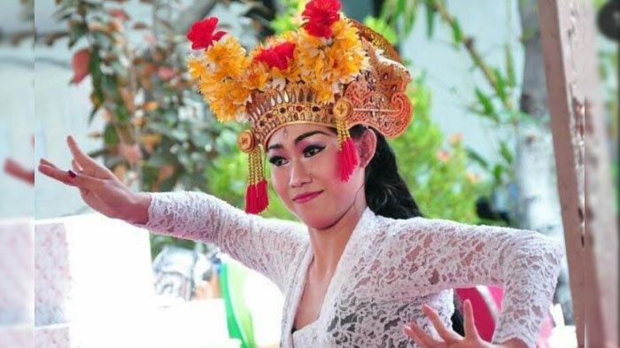 Potret Ni Putu Triska Paramitha : Cintai Tari Bali Sejak Kecil