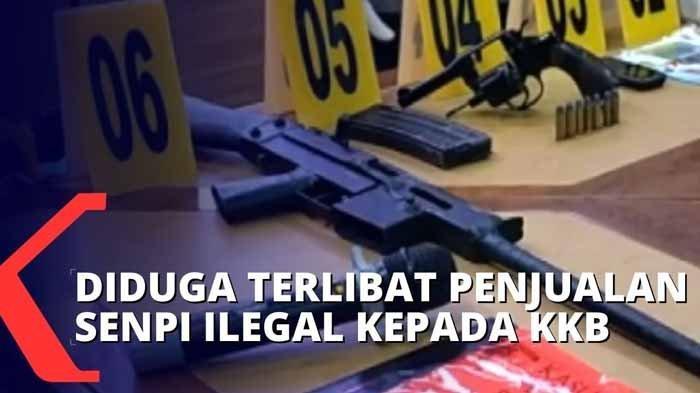 Tiga oknum aparat keamanan diduga jual senjata ke KKB Papua, yakni Praka MS diduga menjual 600 butir peluru, Bripka ZP serta Bripka RA diduga jual senjata rakitan jenis revolver dan laras panjang. Alur penjualan peluru dan senjata ada di artikel.
