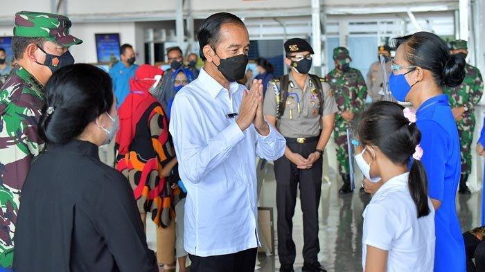 Presiden Joko Widodo Silaturahmi dengan Keluarga Prajurit KRI Nanggala 402 di Juanda