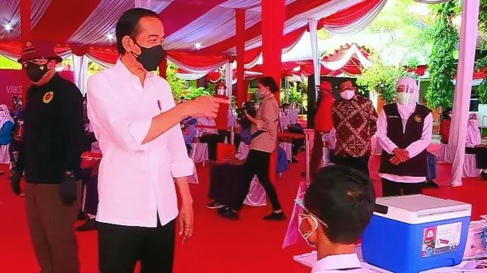Presiden Jokowi Tinjau Vaksinasi Pelajar SMPN 3 Mejayan Madiun, Pastikan PTM Jika Sudah Divaksin