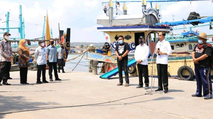 Dicurhati Nelayan soal Kondisi Pasar Ikan Brondong, Jokowi Minta Bupati Lamongan Menindaklanjuti